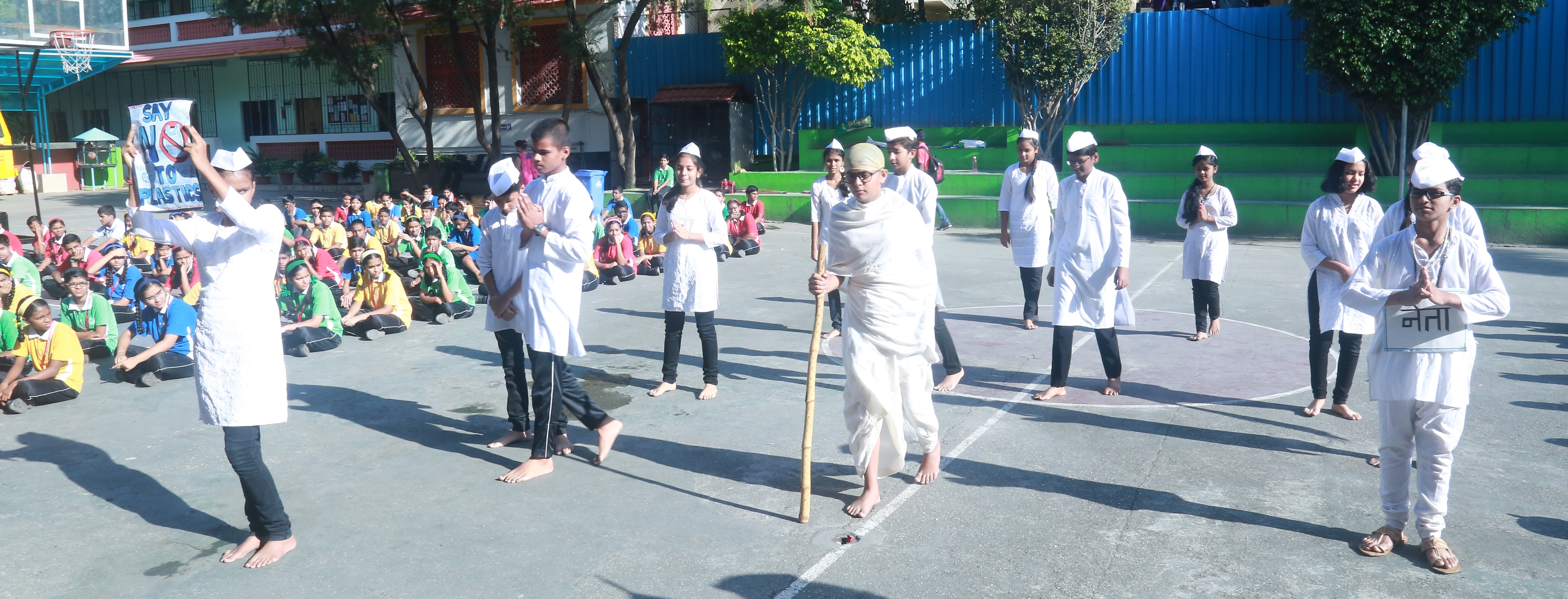 2nd October : Our students & teachers honored Rashtrapita Mahatma Gandhiji by cleaning the nearby areas of school.